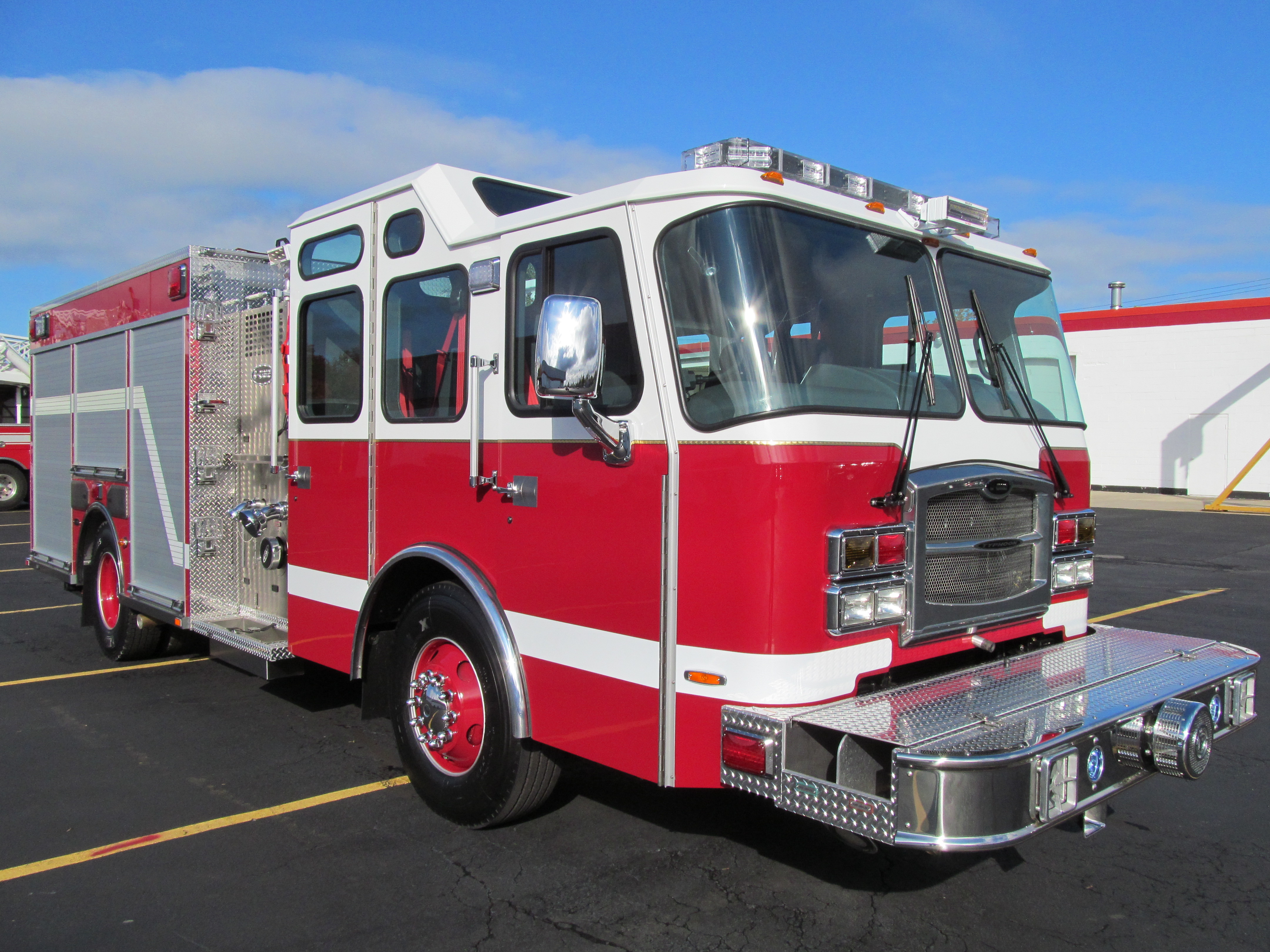 North Amherst Fire Co. - Stainless Steel Side-Mount Pumper