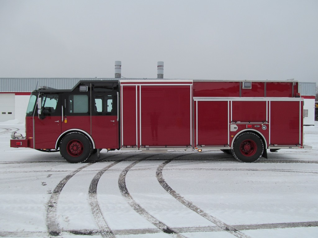 Laconia Fire Department - E-ONE Stainless Rescue Pumper - Driver Side