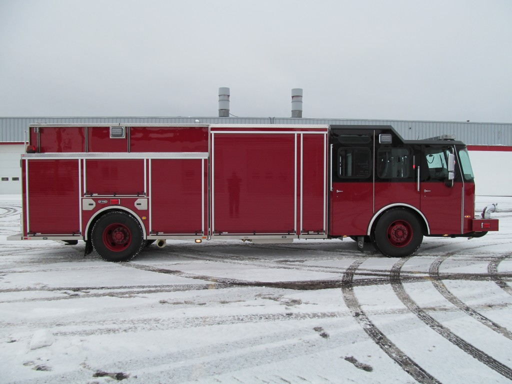 Laconia Fire Department - E-ONE Stainless Rescue Pumper - Officer Side