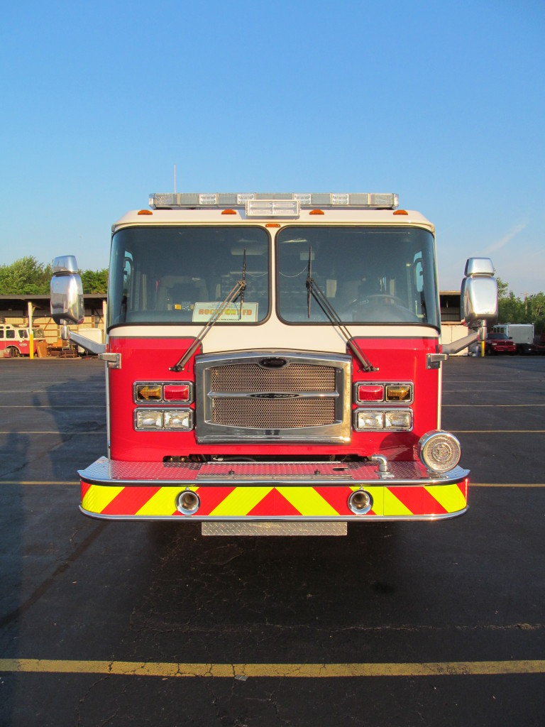 E-ONE Stainles Top Mount Pumper