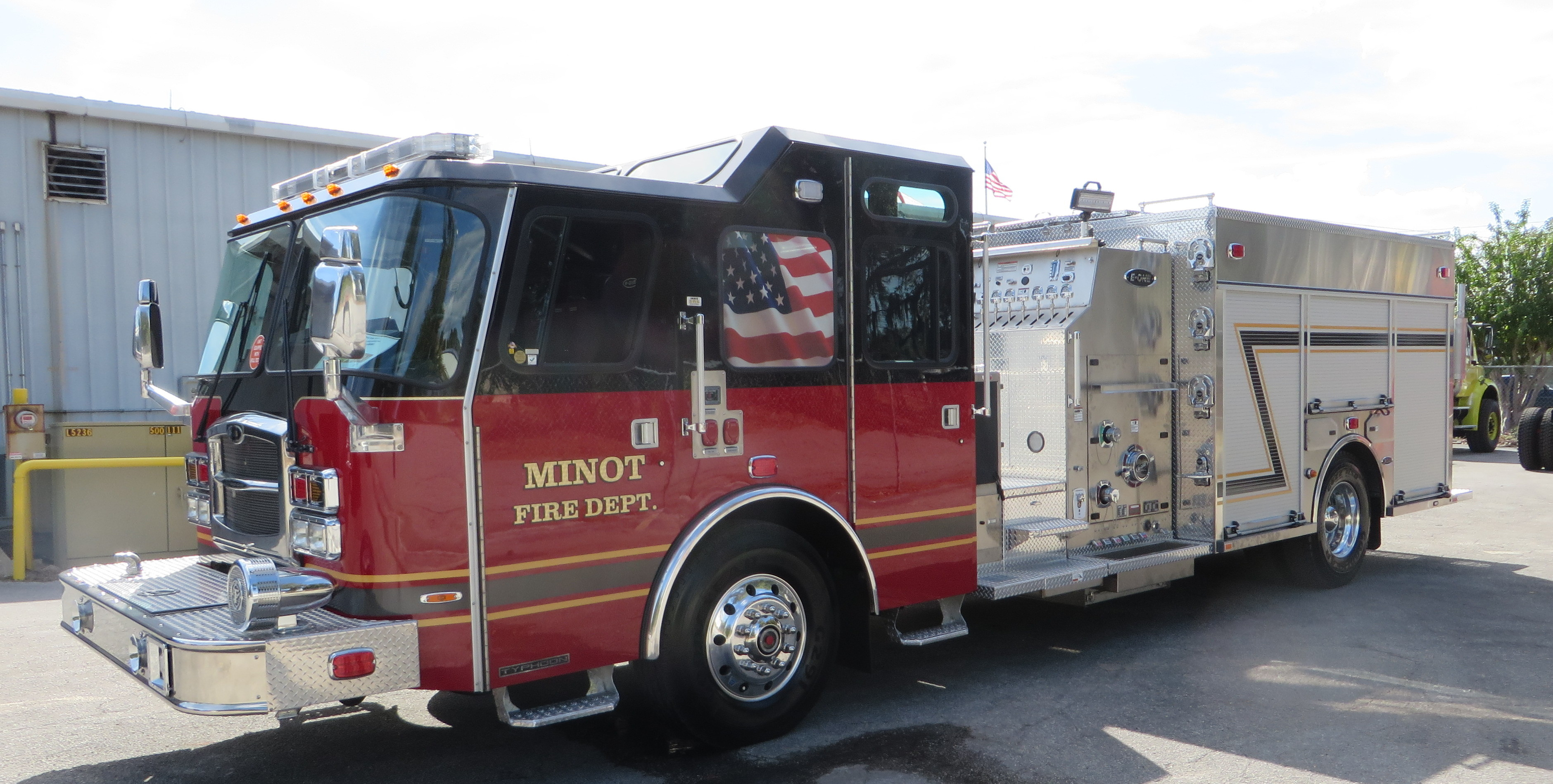Minot Fire Department's New E-ONE Stainless Steel Pumper